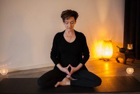 Deze afbeelding heeft een leeg alt-attribuut; de bestandsnaam is foto-Elise-meditatie-2.0-1-449x304.jpg